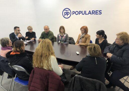 Carolina Castelló apoya a las trabajadoras de la limpieza de edificios educativos que llevan meses sin cobrar